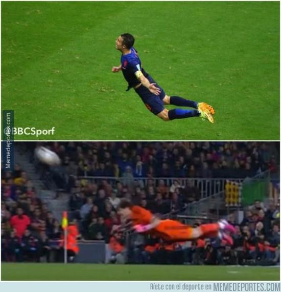 487326 - Casillas aprendiendo a volar como RVP