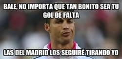 Enlace a Cristiano avisa a Bale después de su gol de falta con Gales