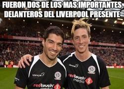 Enlace a Jugaron dos leyendas del Liverpool. Marcó Balotelli