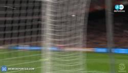 Enlace a GIF: Holanda se pone por delante en el marcador por medio de Vrij