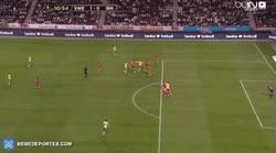 Enlace a GIF: Ibra la empieza y Zlatan la acaba. Gol de Suecia