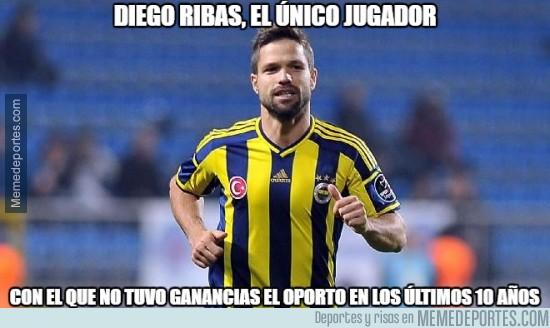 496885 - Diego Ribas se le resistió al eficiente Oporto