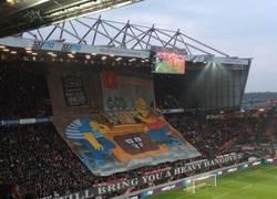 Enlace a Gran mosaico de Los Simpson visto en el fútbol holandés