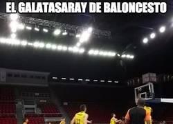 Enlace a El Galatasaray de baloncesto se solidariza con el Getafe