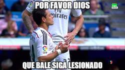 Enlace a Chicharito rezando antes del partido