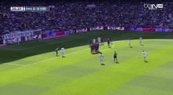 Enlace a GIF: Gol de Cristiano Ronaldo de lanzamiento de falta. Se la come el portero entera