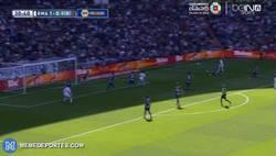 Enlace a GIF: Gol de Chicharito con asistencia de Arbeloa. Increíble.