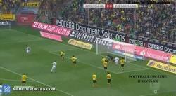 Enlace a GIF: El gol del Borussia M'gladbach que mató el ánimo del Dortmund a los 28 segundos