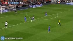 Enlace a GIF: Gran gol de Negredo frente al Levante