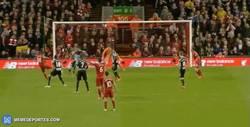 Enlace a GIF: El gol de Allen al Newcastle que pone 5º al Liverpool en la Premier