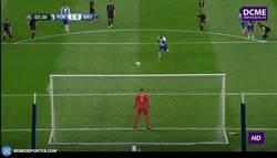 Enlace a GIF: ¡Gol de Quaresma de penalti que abre el marcador en esta noche de Champions!
