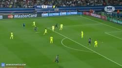 Enlace a GIF: Ter Stegen salva el empate del PSG