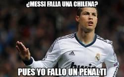 Enlace a ¿Messi falla una chilena?