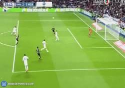 Enlace a GIF: Gol del Málaga, gol de Juanmi