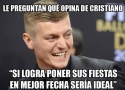 Enlace a Muy bueno Kroos respondiendo sobre Cristiano