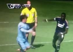 Enlace a GIF: Así es como Kouyaté dejó inconsciente a David Silva