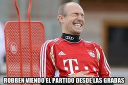 Enlace a Robben pasándolo en grande a pesar de estar lesionado