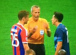Enlace a GIF: Müller, fantasma y arrogante. Qué mal nos caes