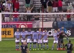 Enlace a GIF: Golazo de Giovinco en la MLS. Espectacular
