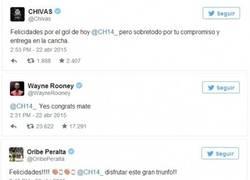 Enlace a Todo el mundo felicitando a Chicharito por su gran partido