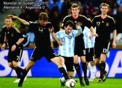 Enlace a Messi nunca le ha ganado a Müller en un partido oficial