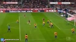 Enlace a GIF: ¡Gol de Schweinsteiger! El Bayern es Campeón al 99,99%
