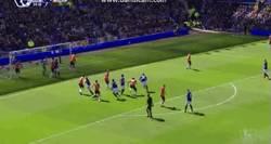 Enlace a GIF: Así ha sido el 2-0 del Everton al United. Gol de Stones. Hace aguas la defensa del Manchester