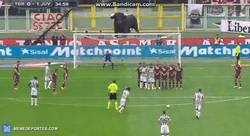 Enlace a GIF: Otros ángulos del golazo de Pirlo al Torino