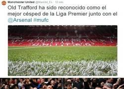 Enlace a Xavi al escuchar la noticia del césped de Old Trafford