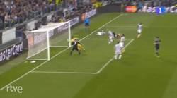 Enlace a GIF: Cristiano pone el empate en Turín