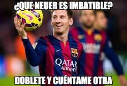 Enlace a Estratosférico Messi rompiendo su gafe con Neuer