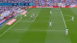 Enlace a GIF: Gol de Paco Alcácer frente al Real Madrid