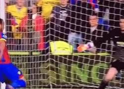Enlace a GIF: Paradón de De Gea contra el Crystal Palace... Lo que le falta al Real Madrid