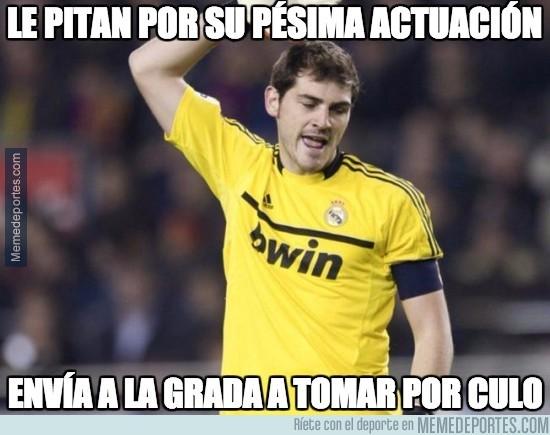 542343 - Casillas enfurecido en el Bernabéu
