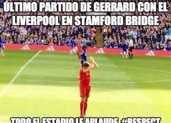 Enlace a Gran gesto de Stamford Bridge hacia Gerrard