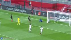 Enlace a GIF: Yo quiero un defensa así en mi equipo (Mathieu Peybernes)