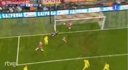 Enlace a GIF: Se adelanta el Bayern con este gol de Benatia