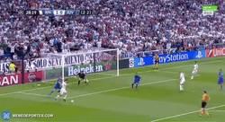 Enlace a GIF: ¡Otra ocasión clarísima del Madrid! Mala opción escogió Cristiano