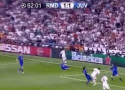 Enlace a GIF: Marcelo celebra un gol de Bale que no entró. El FAIL de la Champions