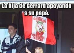 Enlace a Lo más tierno de la despedida de Gerrard en Anfield