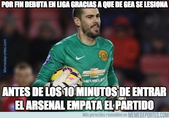 553038 - No ha podido ser peor el debut de Valdés