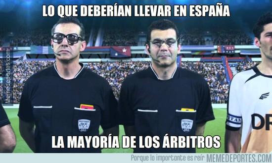 553251 - Qué malos son los árbitros en España...