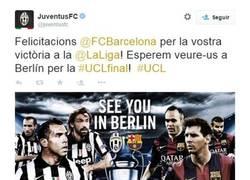Enlace a La Juve felicitando al Barça por twitter por la liga...¡en catalán!