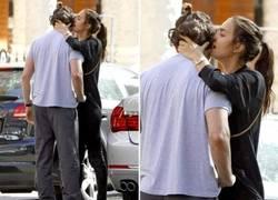 Enlace a ¿Bradley Cooper? El verdadero novio de Irina es Lord Bendtner