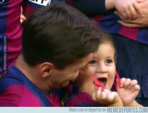 559540 - La cara de Thiago Messi al saber que ha celebrado más ligas que Cristiano