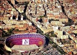 Enlace a Increíble vista del mosaico a Xavi en el Camp Nou