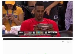 Enlace a Los Lakers trolleando a Dwight Howard