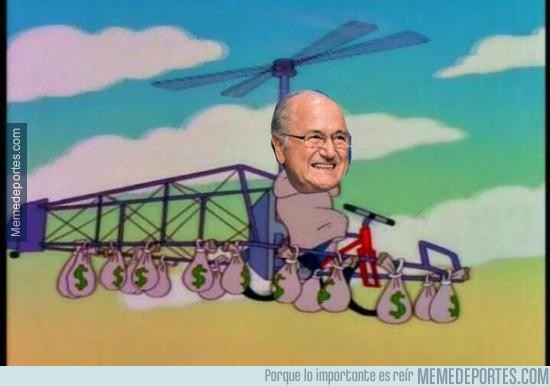 570604 - Blatter dejando las oficinas de la FIFA