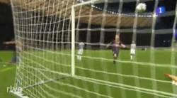 Enlace a GIF: Otra perspectiva del gol de Suárez