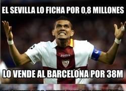 Enlace a El Sevilla vive de los millones del Barça